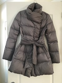 (Guess) Ladies grey winter coat. Light weight, but very warm. Size Small! Ottawa, K1W 1K7