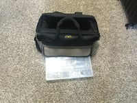 black and gray duffel bag 588 mi