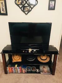 Tv Stand Glass and Wood  Los Angeles, 91367