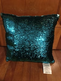 Sequin Pillow Barre, 05641