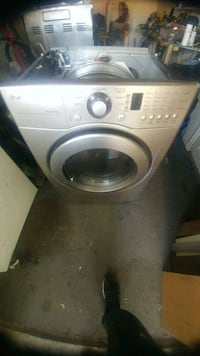 Anyone have washer dryer stove to repair contact m
