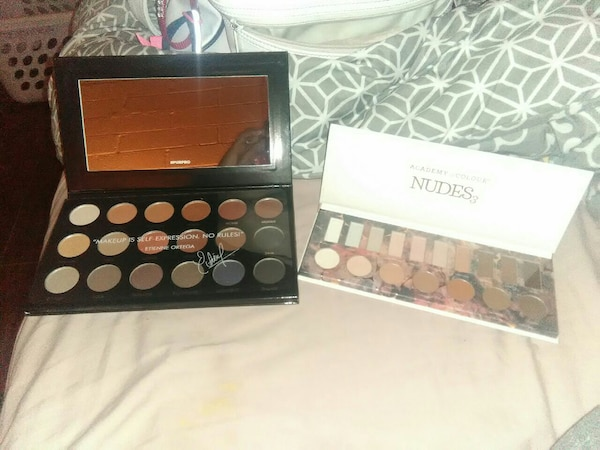 Nudes eyeshadow palette with box