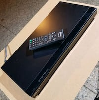 ☆☆ SONY CD/DVD PLAYER *(COMES WITH REMOTE!)* + SONY VCR!! ☆☆