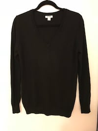 black v-neck sweater Los Angeles, 90049