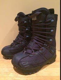 New kids Lamar snowboarding boots snowboard boot Size 4 fits 3 shoe  Kitchener, N2H 5S2