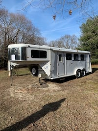 Horse Trailer with Living Quarters (3 Horse)