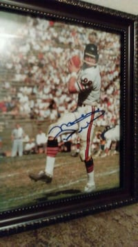 autographed football player photo Melbourne, 32904