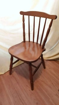 Wooden windsor style chair, good condition.