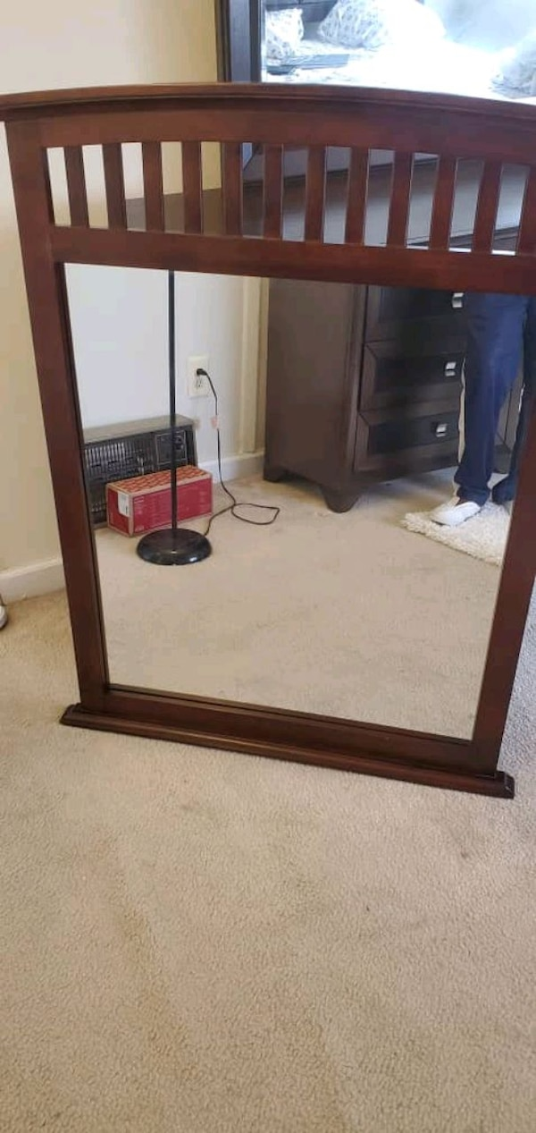 complete dresser and extra mirror  need to be gone ASAP d1b3d5ac-f953-4827-9899-681356a86186
