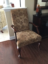 GOLD WOOD GOOSE NECK ARM CHAIR Forked River