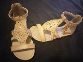 Girls shoes 11 ½