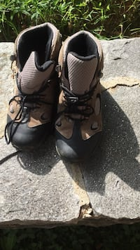 pair of black-and-brown hiking boots Ellicott City, 21043