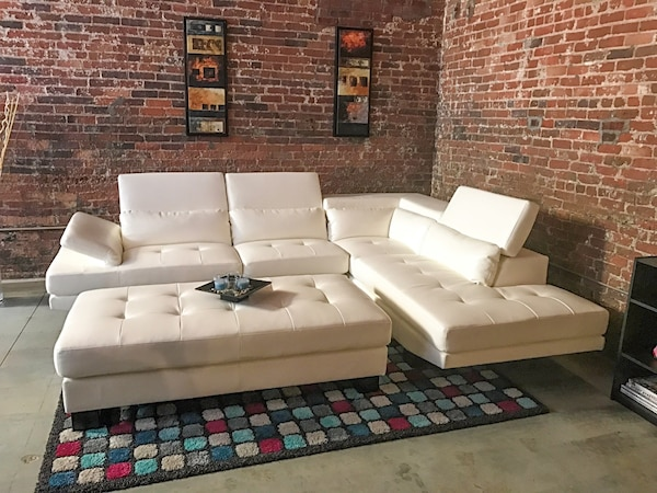 Used Shiloh White Leather 2pc Sectional Living Room Set W Ottoman