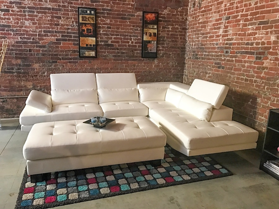 Shiloh White Leather 2pc Sectional Living Room Set W/ Ottoman
