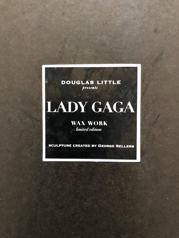 Black barney's gaga wax figure screenshot 5b9561c2-0de4-4b27-8653-e55834ac20af