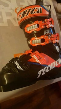 Tecnia JR Ski Boot 23.5cm . Brand NEW