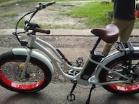 gray and black cruiser bike/Negot Baton Rouge, 70805