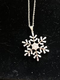 "Price reduced!!! 20"" snowflake necklace"