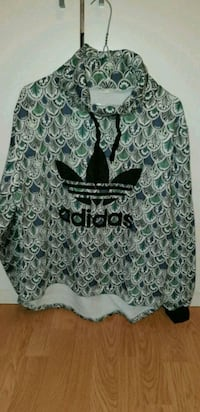 Pull Adidas taille L 6400 km