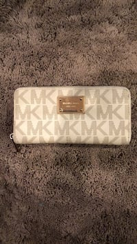 White and gray michael kors leather wristlet Bowie, 20720