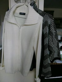 $15 for two sweaters for lady, size M Toronto, M4P 0A3