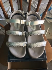 Golf sandals almost new condition  Whitby, L1R 1Y7