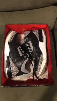 pair of black Air Jordan 3's in box Silver Spring, 20901
