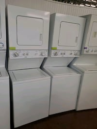 Kenmore 24in electric stackable Washer/dryer working perfectly  Baltimore, 21223