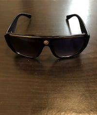 black framed Ray Ban wayfarer sunglasses Memphis, 38119