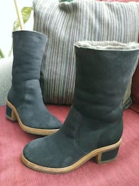 Suede boots with genuine sheepskin inside