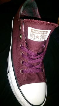 unpaired red Converse All Star low-top sneaker Tulsa, 74136