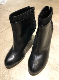 pair of black leather boots Markham, L3R