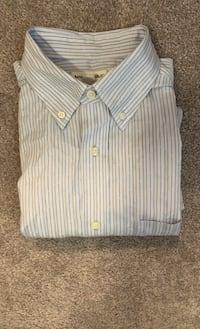 Banana Republic Short Sleeve Button Down. 16-16 1/2 Large.  Frederick, 21704