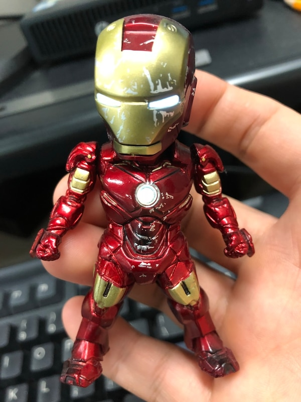 Iron man figure with led and stand monster set