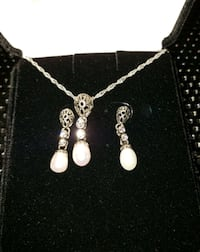 Ivory Freshwater Pearl Pendant & Earrings Set Lewisville, 75067