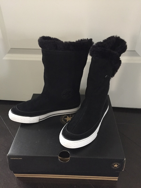 New black Converse kids suede boots size 1