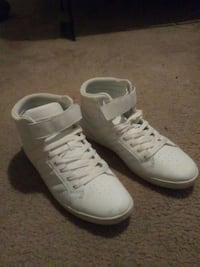 pair of white Nike high-top sneakers Albuquerque, 87120