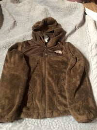Girls North face oso jacket with hoodie
