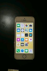 gold iPhone 5s   Edmonton, T5H 3G9