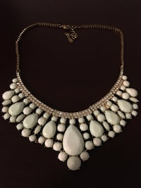 Light Green Statement Necklace Vaughan, L4H