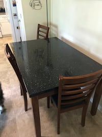 Kitchen Table and Chairs Maryland Heights, 63043