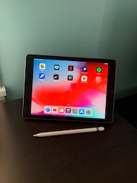iPad 6th gen 32GB with Apple Pencil and Smart Cover Leavenworth, 66048