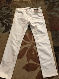 A&F White Skinny Jeans size 30x30. Worn twice, washed once, hung to dry   Candler, 28715