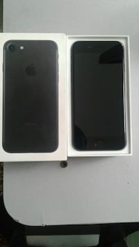 Apple 7 jet black 32 gb