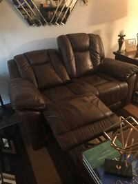 Leather brown electric recliner London, N5V 3R7