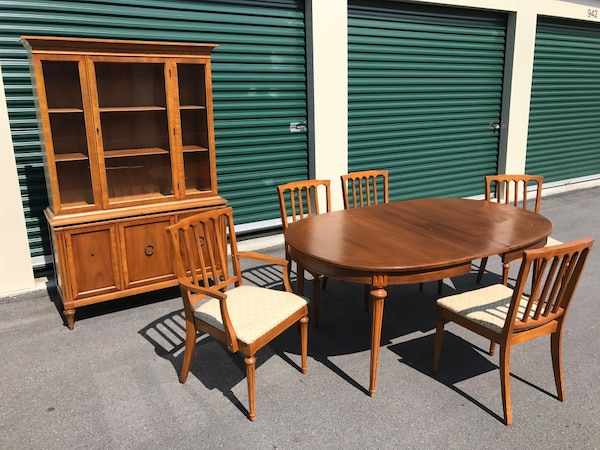 Mid Century Walter of Abash Dining Table, Chairs & Hutch