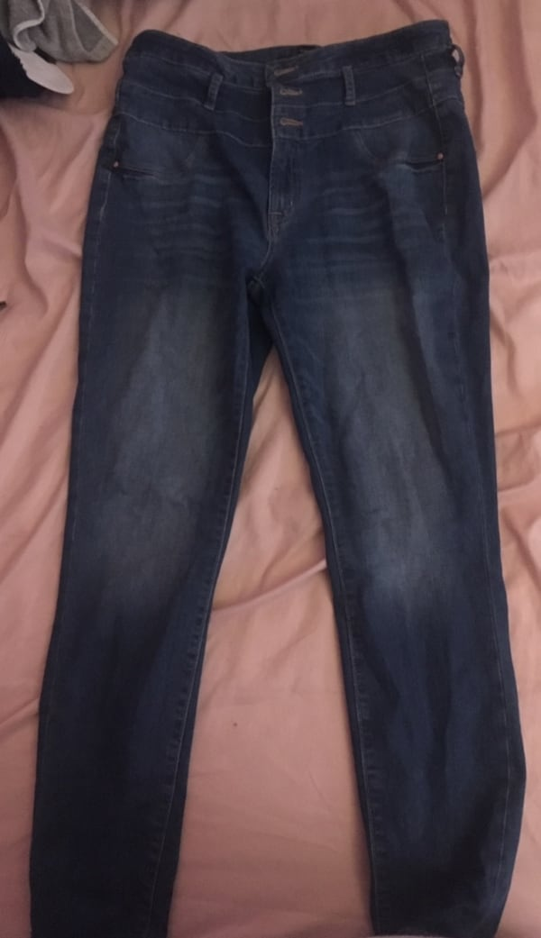 Charlotte Russe High waisted jeans 6a93dc01-bc6f-488d-82d8-9c8a4fb334d3