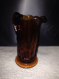 Small Amber pitcher Chandler, 47610