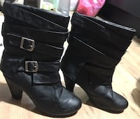 pair of black size 8 leather chunky heeled boots Surrey, V3S 4H6