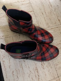 red, black, and blue plaid boots Emmitsburg, 21727